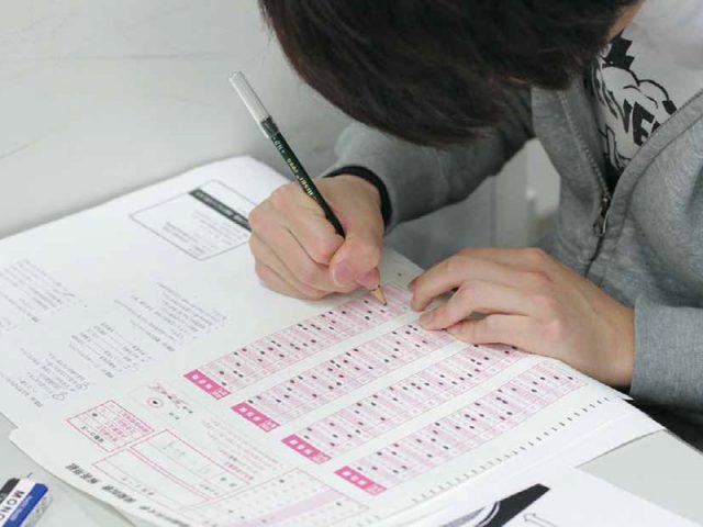 試験に向けた勉強の様子