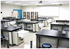 基礎医学実習室の写真
