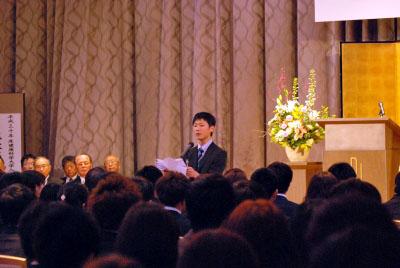 在学生代表歓迎の辞 学友会 会長 安部 翔 さん